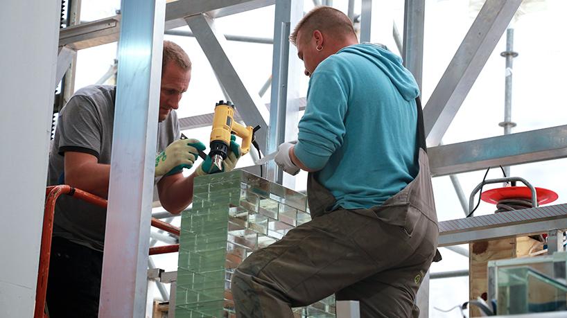MVRDV-crystal-houses-amsterdam-chanel-flagship-store-glass-facade-thatsitmag-08.jpg