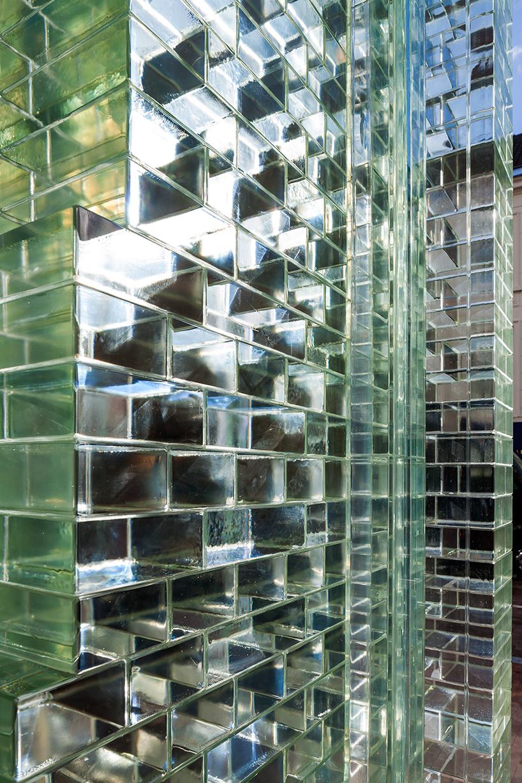 MVRDV-crystal-houses-amsterdam-chanel-flagship-store-glass-facade-thatsitmag-05.jpg