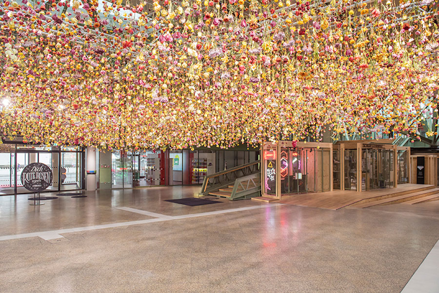 Rebecca Louise Law's Floral Installation Art-thatsitmag-1.jpg
