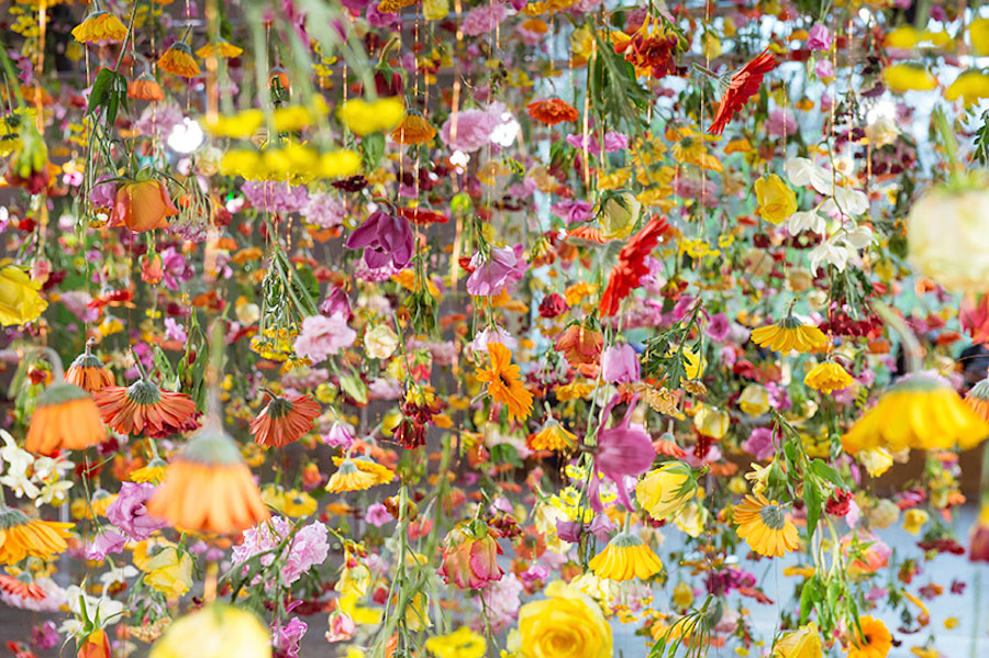 Rebecca Louise Law's Floral Installation Art-thatsitmag-2.jpg