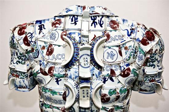 Li-Xiaofeng-porcelain-costumes5.jpg