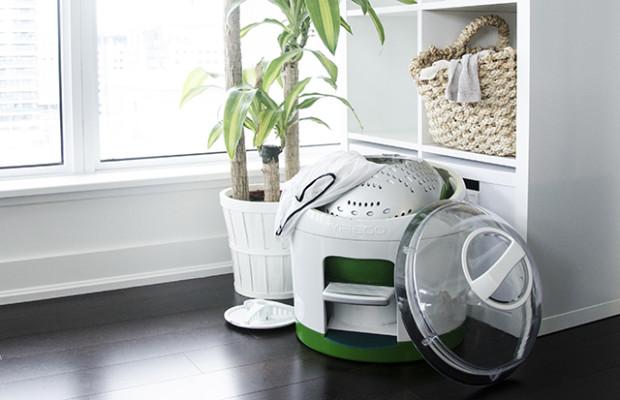 foot-powered-washing-machine-saves-water-and-energy-thatsitmag4.jpg