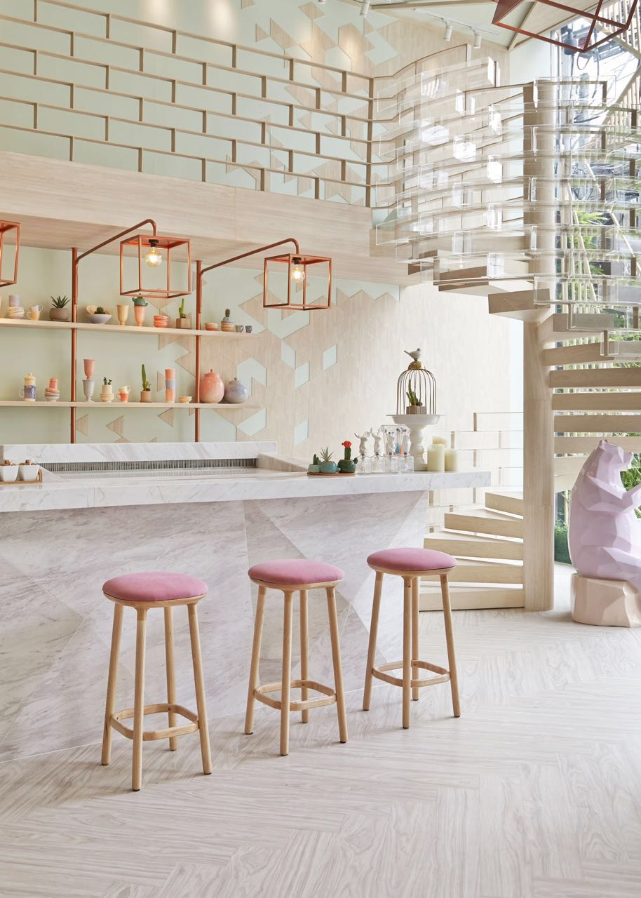 sugar-crystals-inspired-interior-for-shugaa-dessert-bar-thatsitmag1.jpeg