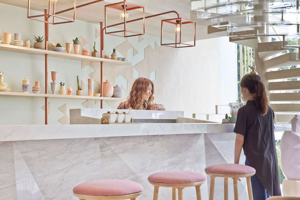 sugar-crystals-inspired-interior-for-shugaa-dessert-bar-thatsitmag4.jpeg