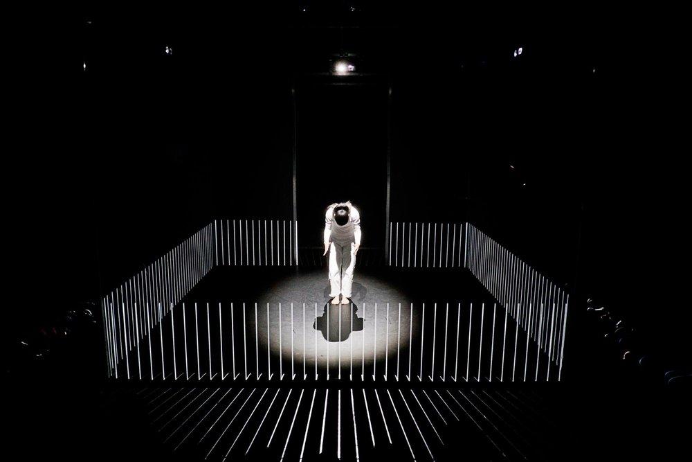 hakanai-dancing-performance-with-3d-mapping-thatsitmag5.jpeg