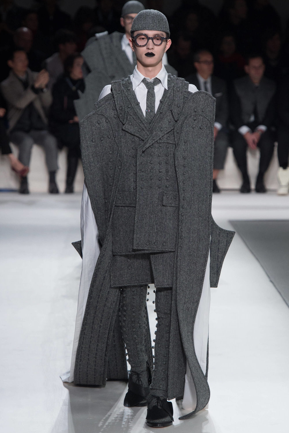 Thom-Browne-Never-Fails-to-Amaze-Thatsitmag-Thatsitmagazine-GraceBrookes-Paris-Fashion-week5.jpg
