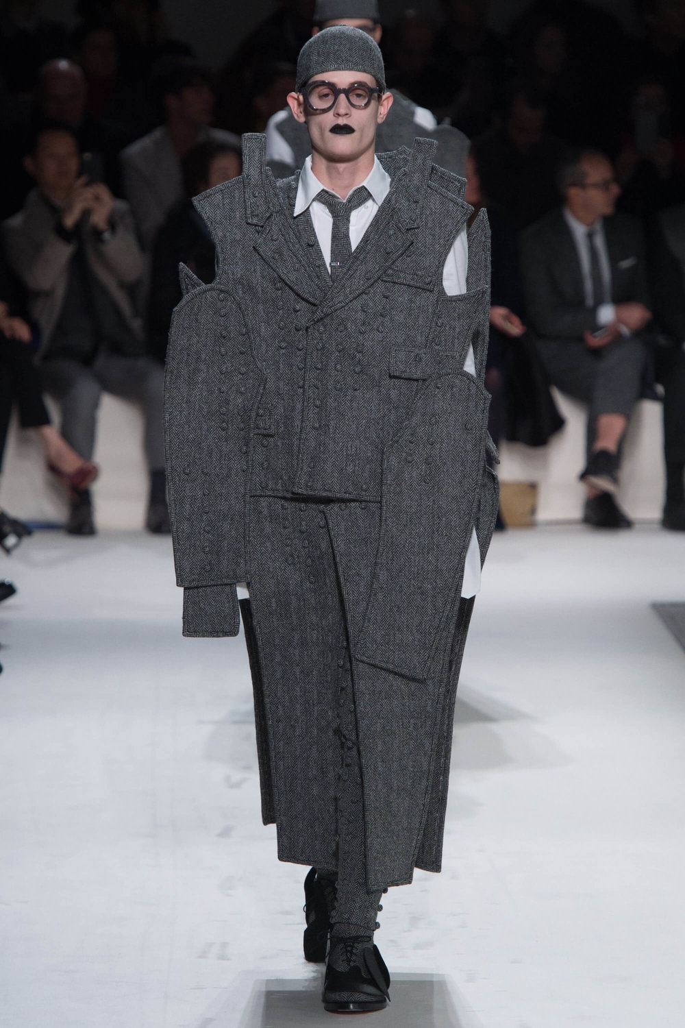 Thom-Browne-Never-Fails-to-Amaze-Thatsitmag-Thatsitmagazine-GraceBrookes-Paris-Fashion-week8.jpg