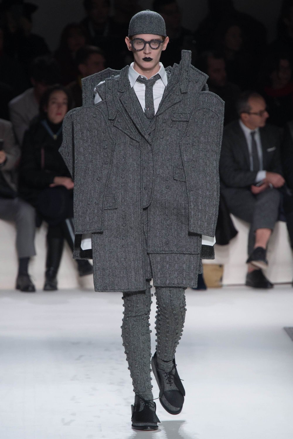 Thom-Browne-Never-Fails-to-Amaze-Thatsitmag-Thatsitmagazine-GraceBrookes-Paris-Fashion-week10.jpg