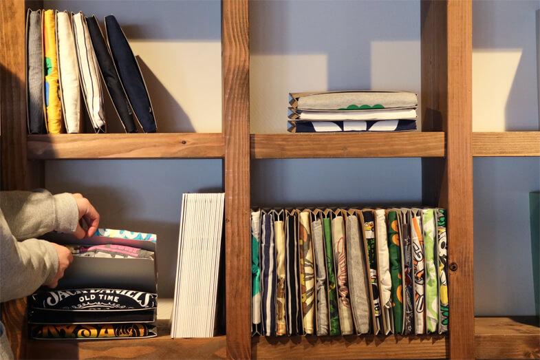 that's it magazine - Bettina Sanada - tatemu - foldable t-shirt - book shelf2.jpg