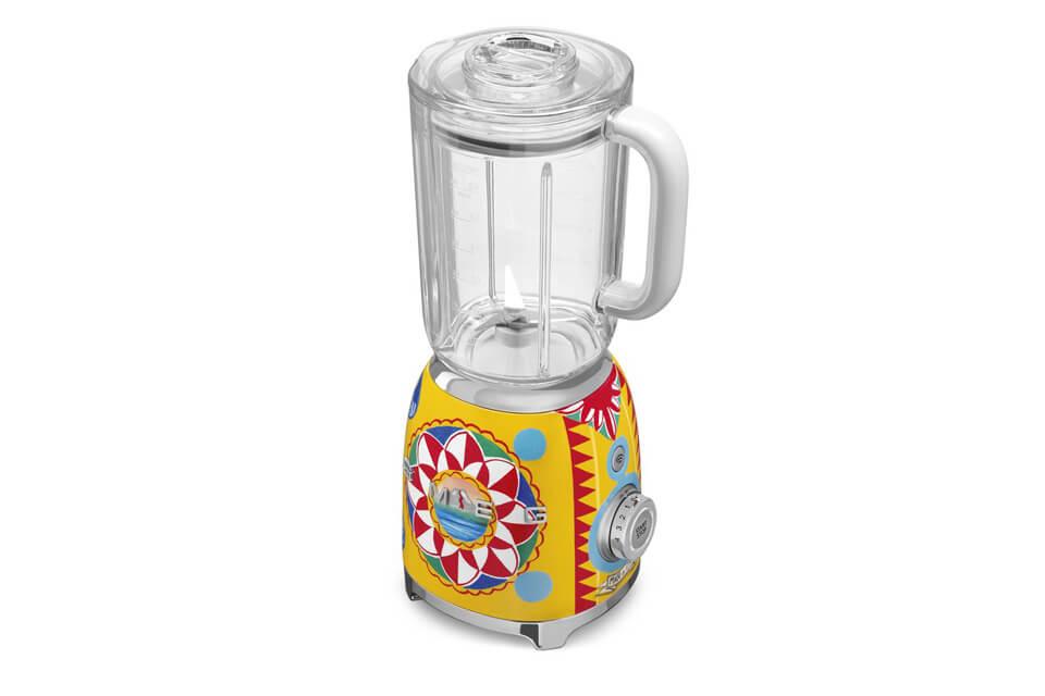 dolce-and-gabbana-kitchen-appliances-03.jpg