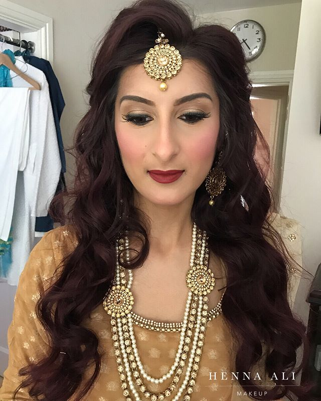 It's so lovely to be a part of your returning bride's next event🤩. I absolutely loved getting Hannah ready for her sister's wedding and especially loved creating an even greater variety of looks for each occasion! For the mehndi I gave her a soft gold eye makeup look with smoked black liner for a modern edge.  Swipe ⬅️for the before pic and her four looks from her own wedding events three years ago 🔸Mehndi 🔸Walima 🔸Baraat 🔸Registration💃🏽. Hair by @humeraali_makeupandhair . . . #makeupbyhennaali #naturalmakeup #hennaalimakeup #hennaalimakeupartist #hennaalimua #ukmua #ukmakeupartist #bollywoodbride #birminghammua #muabirmingham #weddinginsp #birminghamblogger #weddingmua #weddingideas #indianbride #pakistanibride #westmidlandsmua #asianbride #bridalmakeupartist #bridalmua #dressyourface #vegas_nay, #makeupbybouba #hindash #beatthatface #indianweddingbuzz #beforeandafter #makeupbydenise #makeupartists_worldwide #wakeupandmakeup