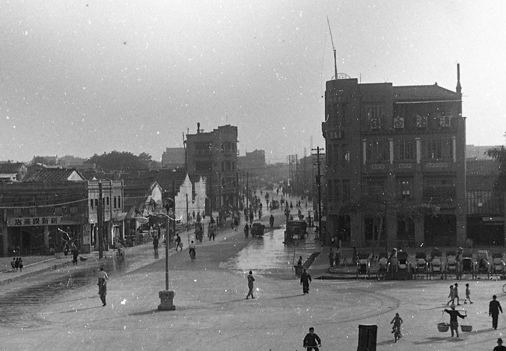 Looking south on Ximen Road in 1939. All of the large buildings in this image exist in some form today. Pic from  KTS Blog