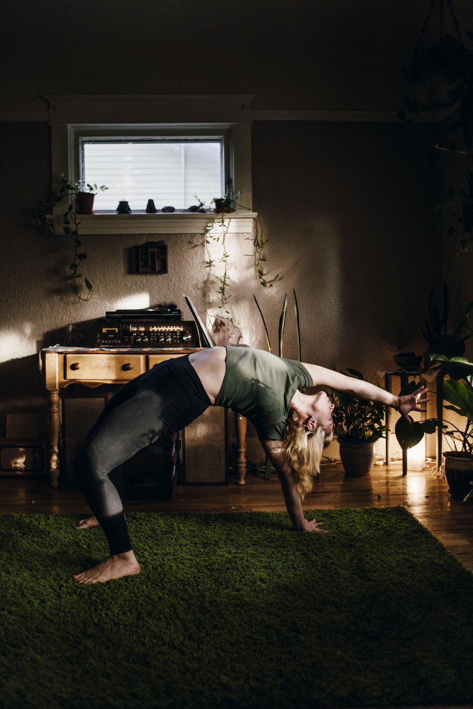12.12.14 Stephanie Yoga 00244.jpg