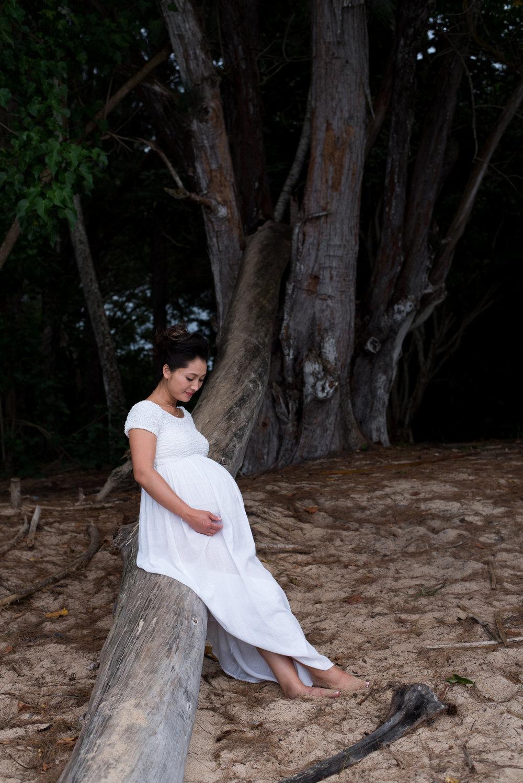 Aya_Maternity_Oahu-96.jpg