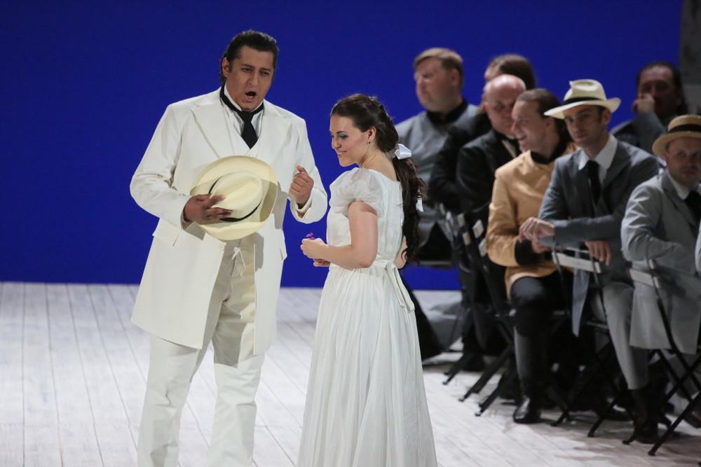 Венера в роли Амины в «Сомнамбуле», Большой театр (фото: Дамир Юсупов)