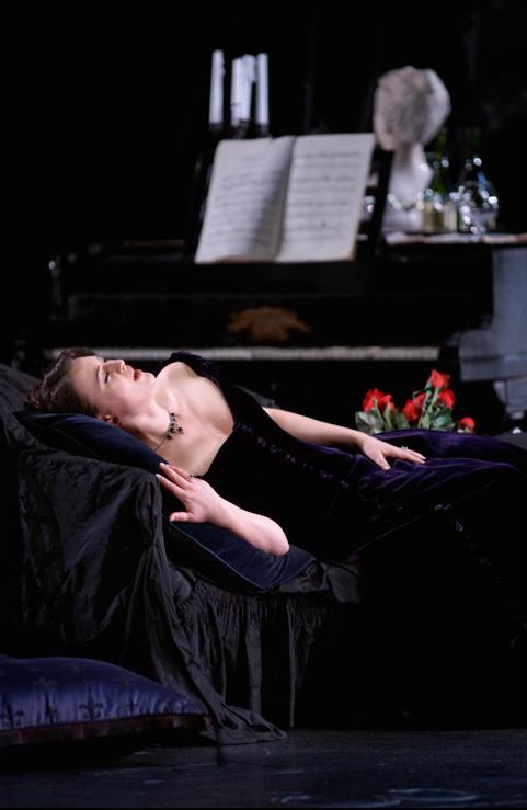 Венера в роли Виолетты в Театро Реаль, Мадрид (фото: Ксавьер Дель Реаль)