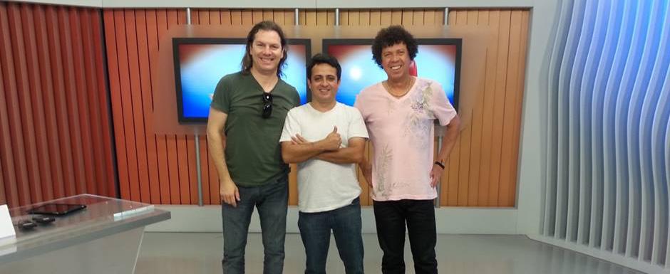 Os integrantes do Trio Arueira - Jonas, Formiga e Dentinho - nos estúdios da RBS TV.