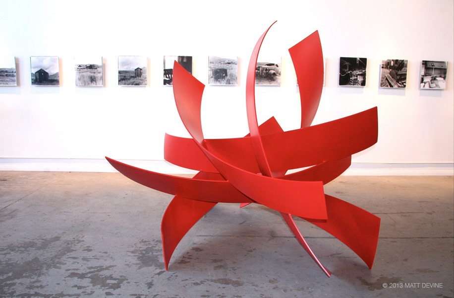 FULL CIRCLE, 2013, aluminum with powdercoat, 80H x 95W x 92D