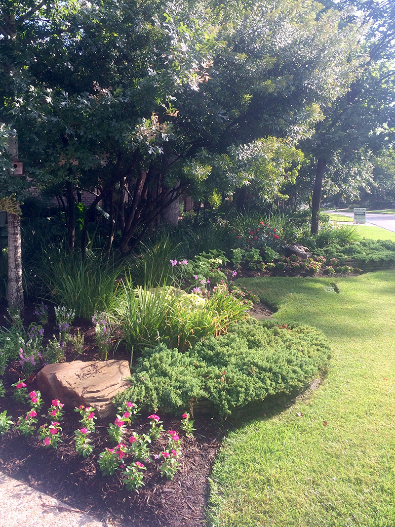 landscape-beds-stone-best-landscaper-the-woodlands,-tx-houston-top-montgomery-luxury-magnolia-trees-lawn-care-maintenance-mow-lawn-service-design-installation.jpg
