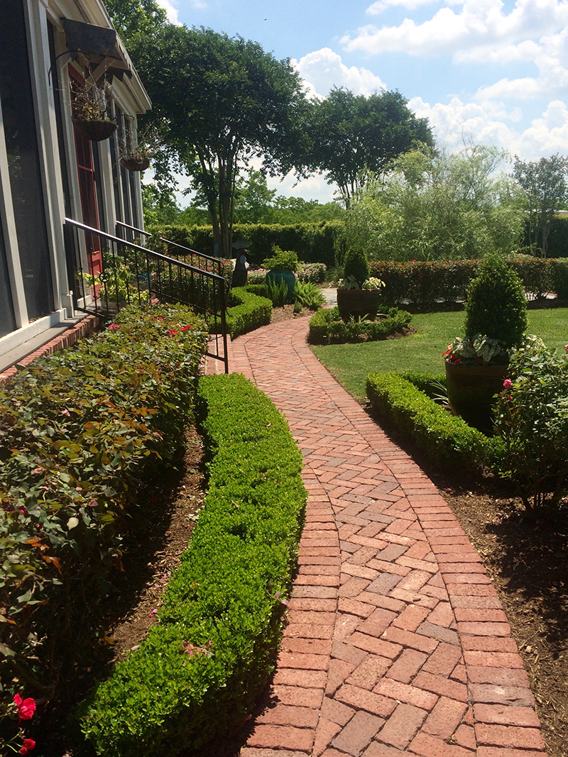 landscape-country-rustic-brick-luxury-equestrian-texas-hill-country-houston-landscape-landscaper-lawn-care-the-woodlands-spring-cypress-lawn-service-design-best-envy.jpg