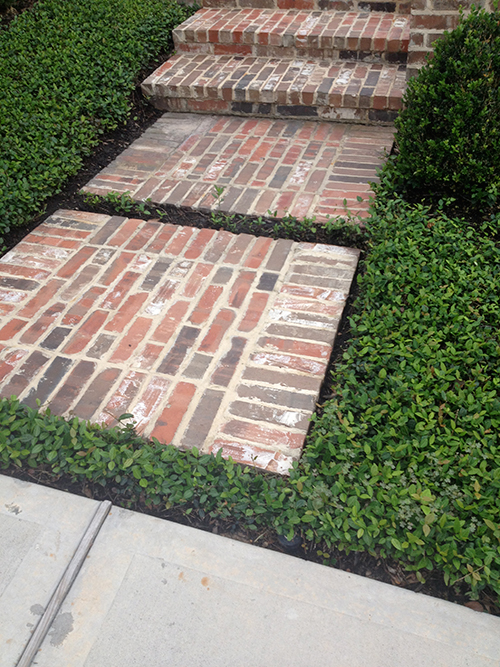 brick-walkway-new-orleans-styel-the-woodlands-spring-magnolia-cypress-conroe-landscape-company-construction.jpg