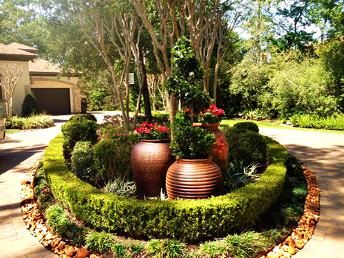 pottery-urn-landscape-boxwood-grouping-installation-design-the-woodlands-spring-tx-houston.jpg