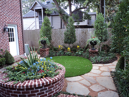 synthetic-lawn-courtyard--Houston-Texas.jpg