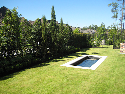 water-feature-fountains-the-woodlands-zoysia-modern-contemporary-landscape-design-envy-houston.jpg