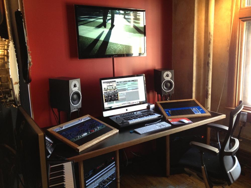 Oak Trimmed Workstation Desk: Tonefarmer