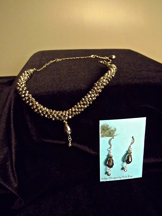 Handmade necklace & earring set
