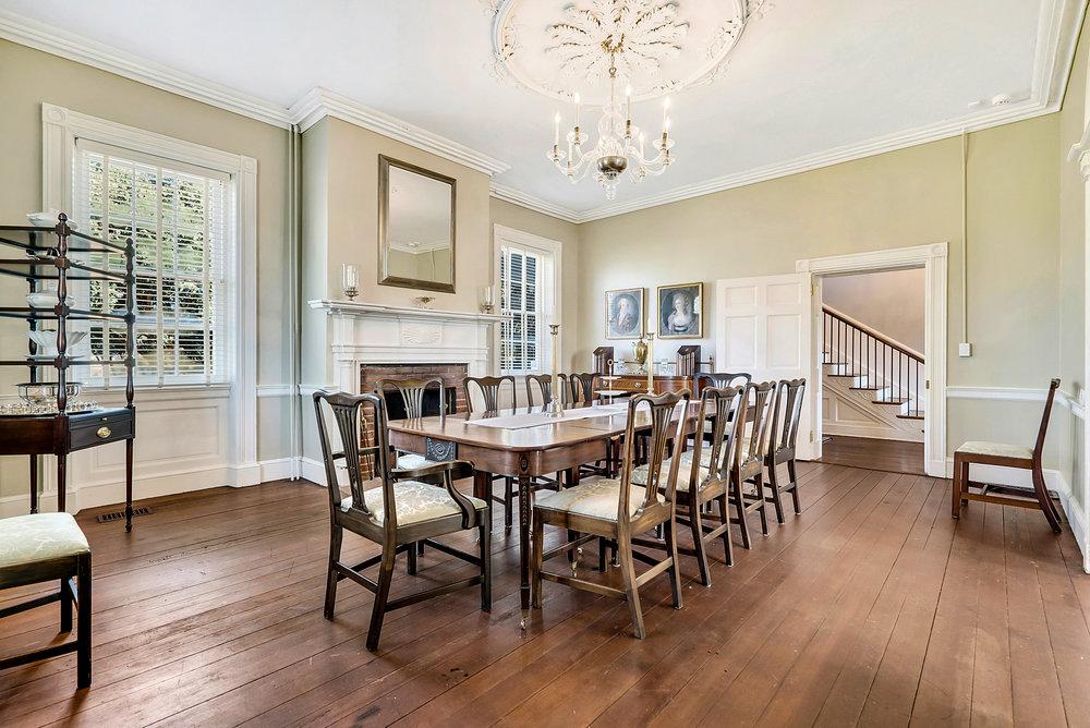 Dining room to hallway!.JPG