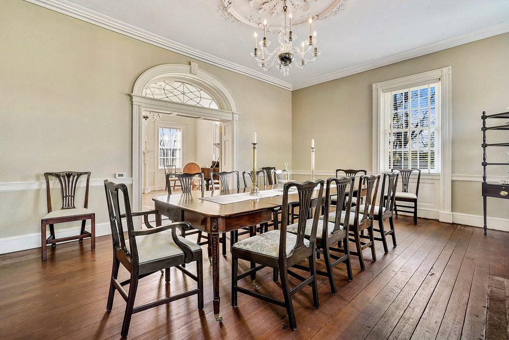 Dining room to piano!.JPG