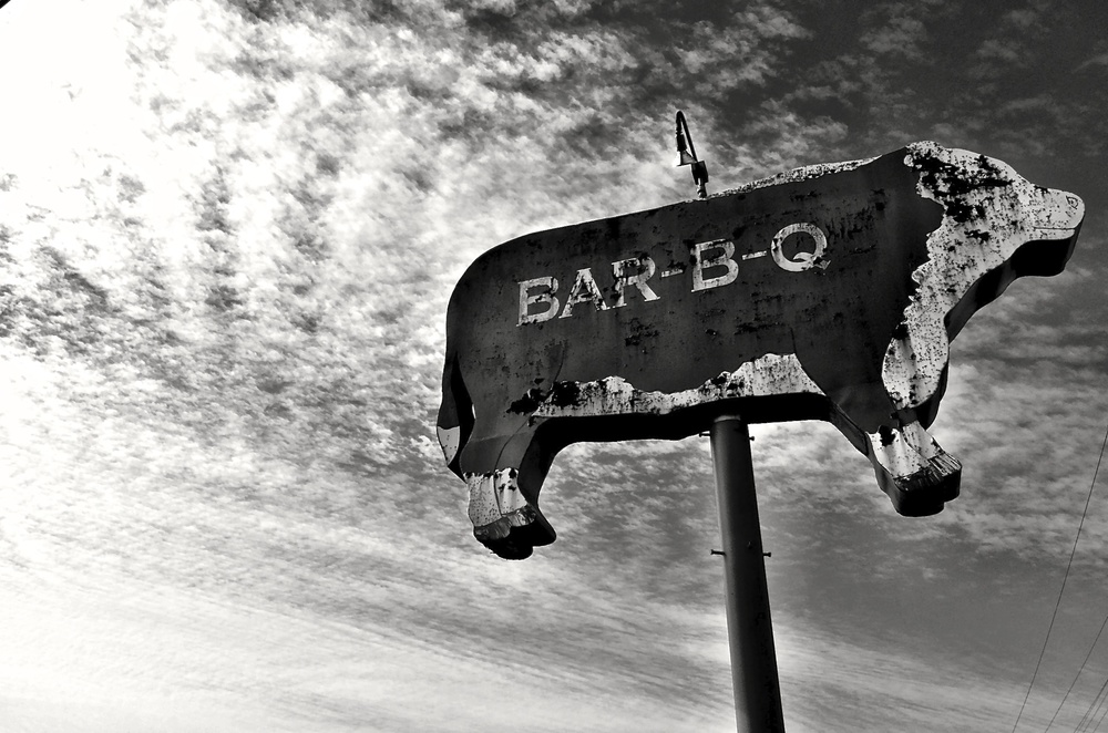 Vintage Hereford BBQ sign (since removed) in Corsicana, Texas.