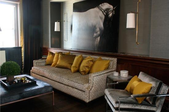 Wallpaper living room velvet chrome gold white sconces
