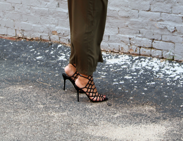 8-american-apparel-choker-top-asos-culotte-pants-steve-madden-slithur-sandals_edited-1.jpg