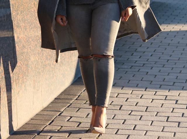 4-gray-monochrome-womens-fashion-ivanka-trump.jpg