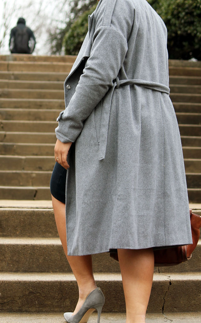 2-layered- gap-sweater-dress-for-work-with-sheinside-trench-coat.jpg
