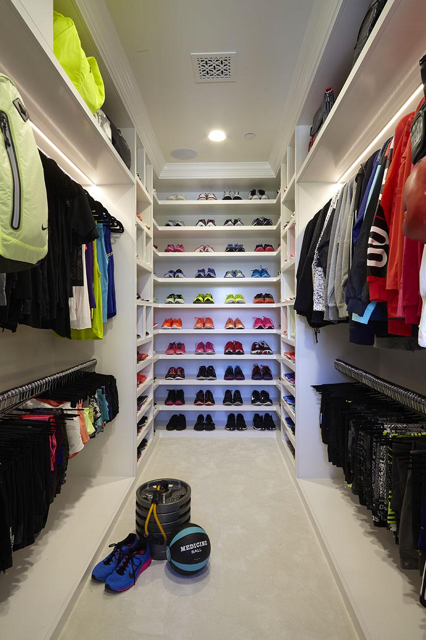 khloe-kardashian-closet-1.jpg