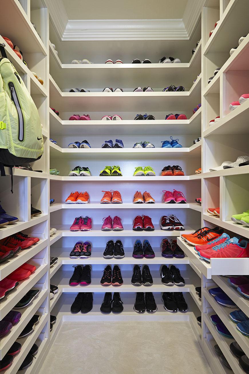 khloe-kardashian-closet-8.jpg