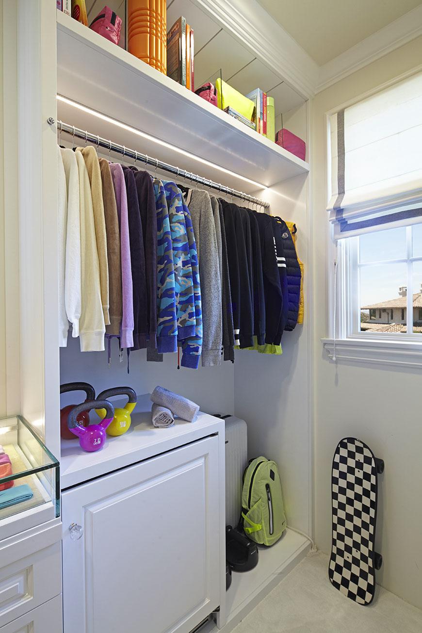khloe-kardashian-closet-5.jpg