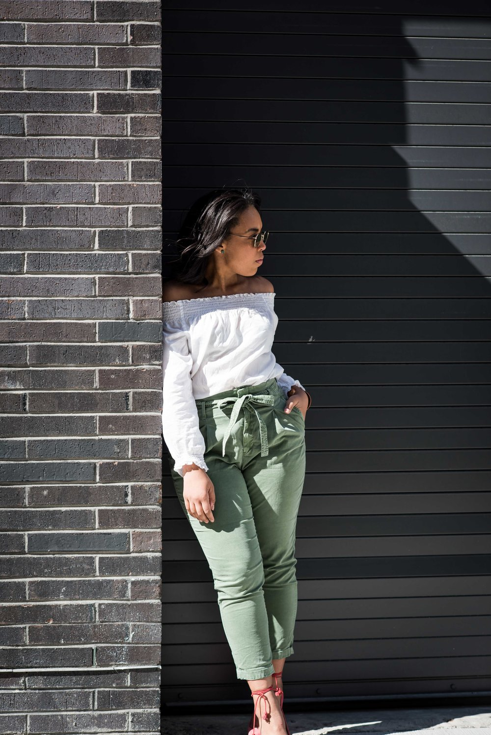 gap-paper-bag-waist-chinos-off-the-shoulder-blouse-jcrew-tassle-pumps-round-sunglasses-urban-outfitters-spring-fashion-4.JPG