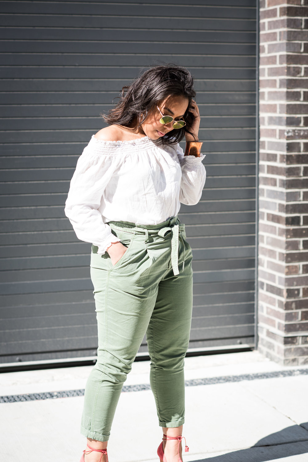 gap-paper-bag-waist-chinos-off-the-shoulder-blouse-jcrew-tassle-pumps-round-sunglasses-urban-outfitters-spring-fashion-7.JPG