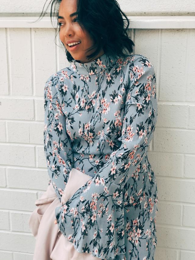 missguided-floral-plisse-frill-sleeve-dress-with-open-back-asos-gap-blush-blazer-public-desire-triple-strap-sandals-pdbae-2.jpg