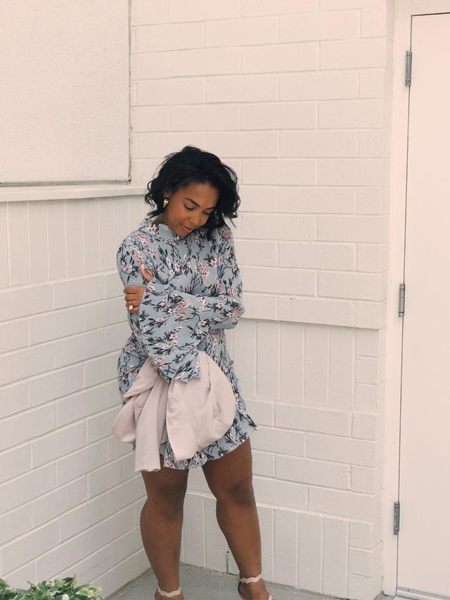 missguided-floral-plisse-frill-sleeve-dress-with-open-back-asos-gap-blush-blazer-public-desire-triple-strap-sandals-pdbae-5.jpg