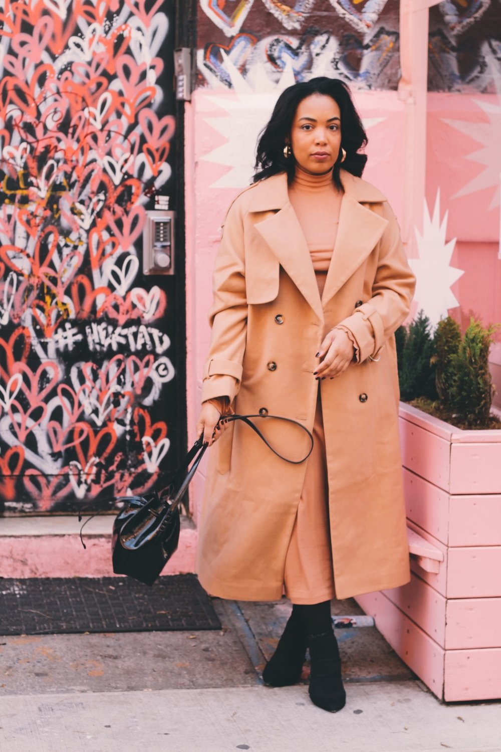 Soho-NYC-Cafe-integral-egg-shop-asos-trench-turtleneck-maxi-dress-hue-tights-patent-bucket-bag-17.JPG