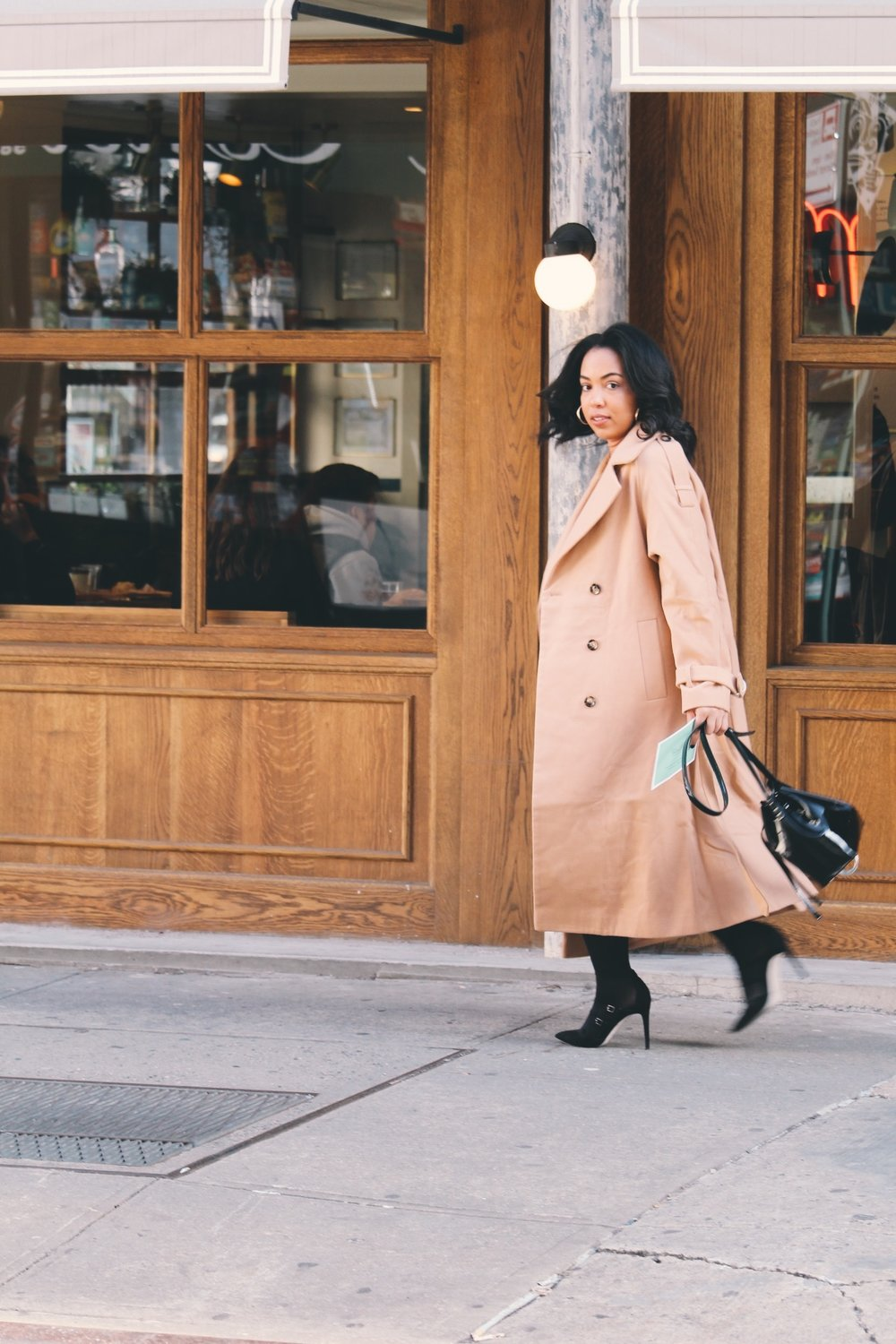 Soho-NYC-Cafe-integral-egg-shop-asos-trench-turtleneck-maxi-dress-hue-tights-patent-bucket-bag-26.JPG