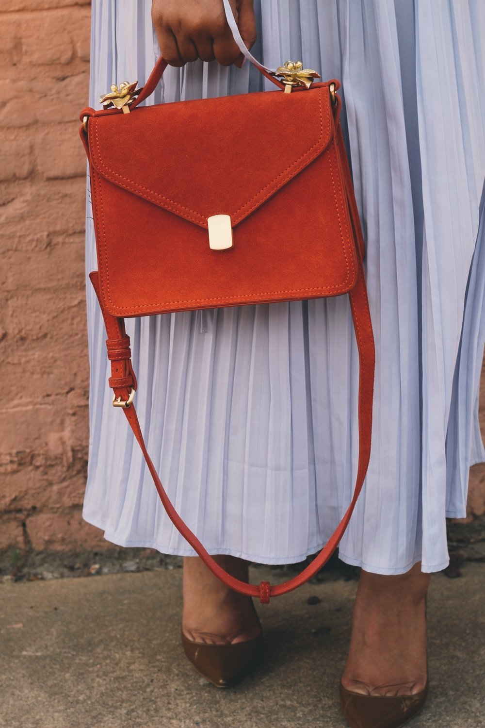 Warehouse-UK-asos-pleated-cold-shoulder-dress-in-lavender-zara-orange-suede-bag-House-of-CB-paris-nude-pumps-14.JPG