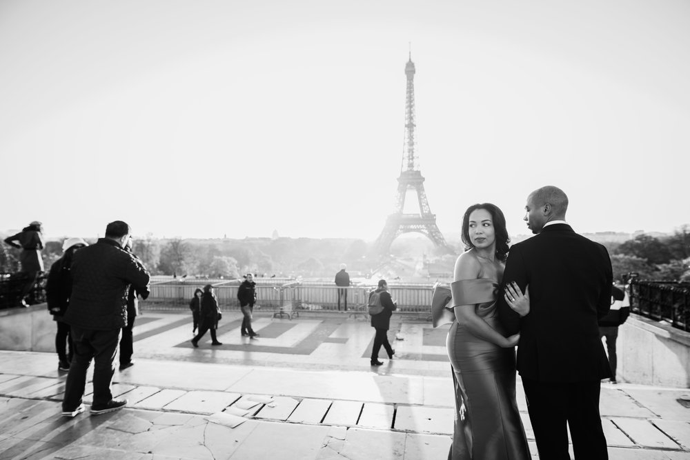 engagement-shoot-fame-and-partners-the-black-tux-eiffel-tower-3.JPG