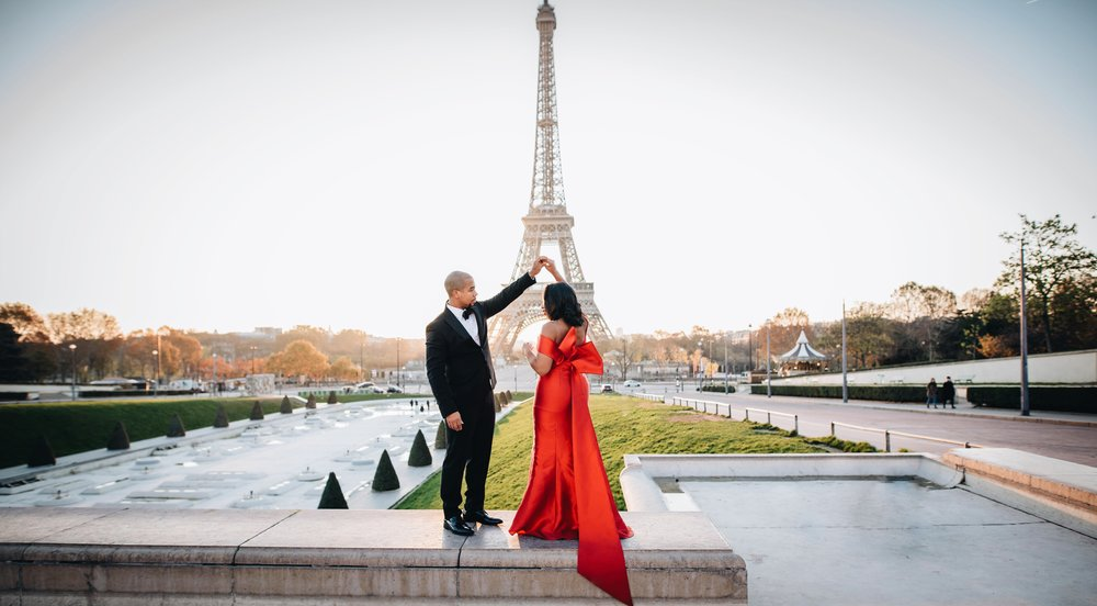 engagement-shoot-fame-and-partners-the-black-tux-eiffel-tower-15.JPG