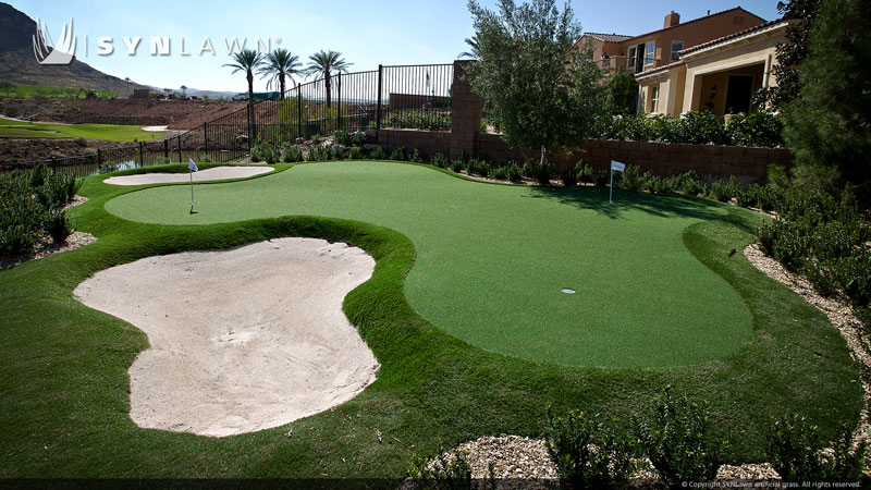 artificial turf backyard golf